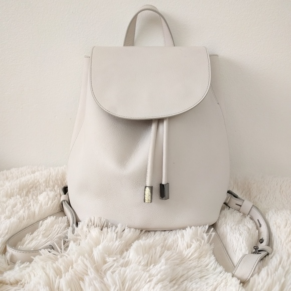 512a28213ff1e5 Everlane Handbags - Everlane Petra White Backpack